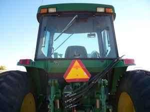 1998 John Deere Tractor 7210