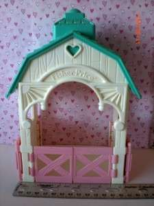 Fisher Price Loving Family Dollhouse Green Roof Dream Stable w/ 2 pcs