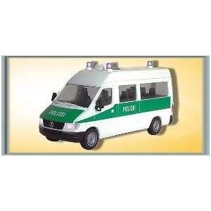 HO Mercedes Benz Sprinter Polizei Toys & Games