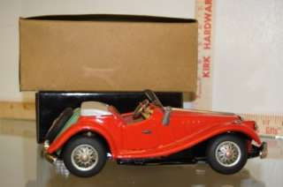 MG M.G CONVERTIBLE W BOX 8 LONG RARE TIN BATTERY OPERATED CAR