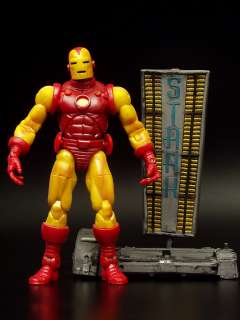 2002 TOY BIZ MARVEL LEGENDS IRON MAN SERIES 1 MOC