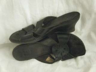 Used Well Worn Ladies Womens Trashed Black Strap Open Toe Sandals