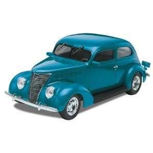 REVELL MONOGRAM   1/24 1937 Ford Sedan (Plastic Models