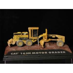 HO Scale Caterpillar 163H Grader Weathered Toys & Games
