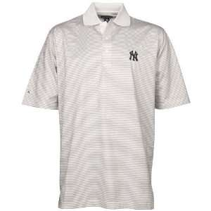 Antigua New York Yankees White Praxis Short Sleeve Polo