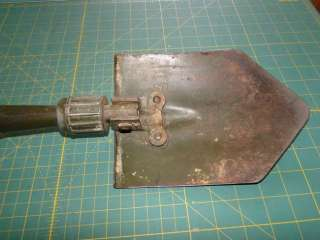 Vintage WWII 1945 US WOOD Army Military Trench Foxhole Folding SHOVEL