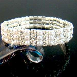 C3035 3Row Noble Wedding Crystal Pearl Stretch Beacelet
