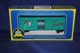 AHM HO Scale #5279B Great Northern RR Box car