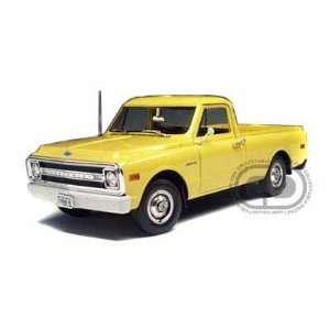 1969 Chevy Fleetside Pickup Truck 1/18 Yellow Toys & Games