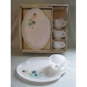 Piece Set   Vintage 1950 60s Federal Milk Glass  Patio  Plate