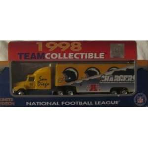 San Diego Chargers NFL Diecast 1998 Matchbox Tractor