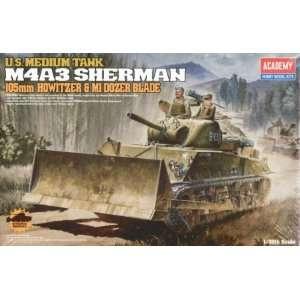M 4A3 Sherman Tank w/105mm Howitzer & M1 Dozer Blade 1 35
